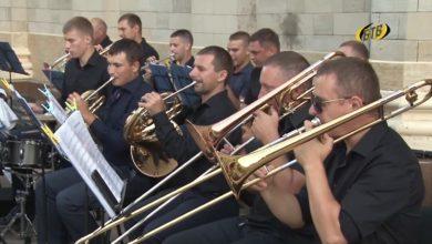 Photo of В городском саду играет духовой оркестр